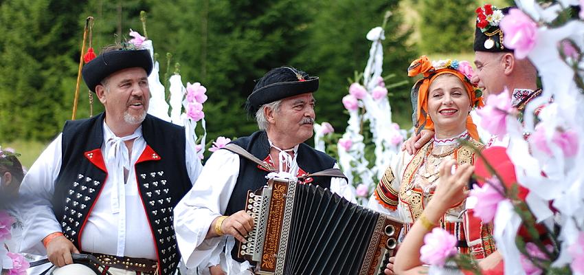Fiesta y traje tradicional eslovaco