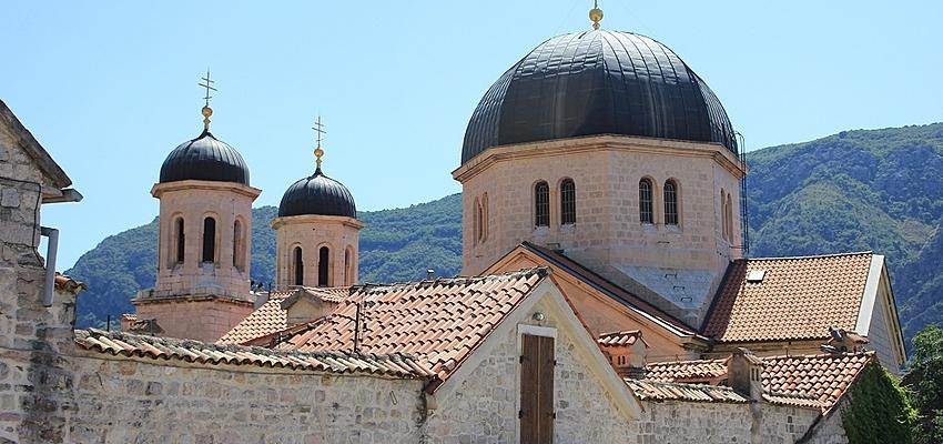 La iglesia de San Nicolás en Kotor