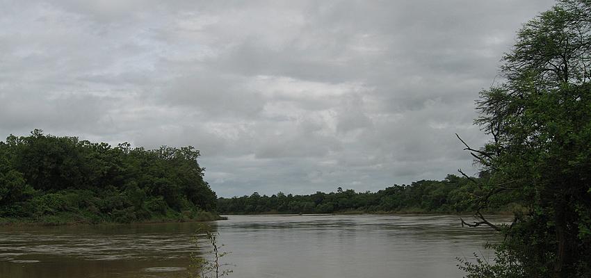 Río Gambia a su paso por el parque nacional de Senegal