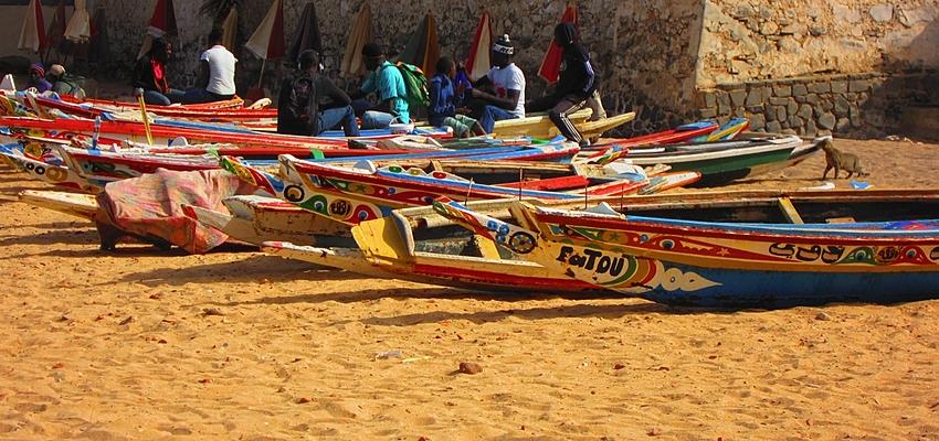 Canoas en la isla de Gorea