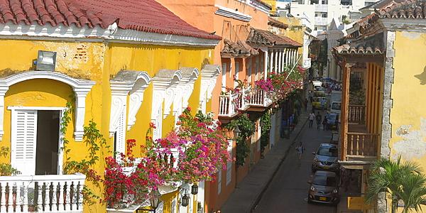 Las calles floridas de Cartagena