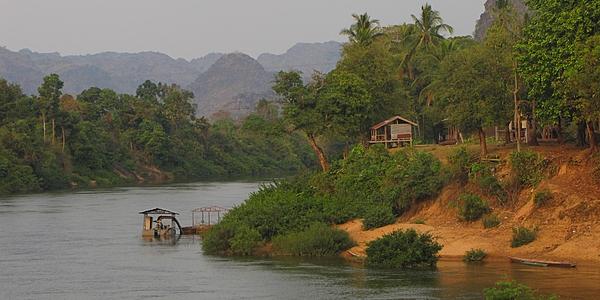 Río Xe Beng Fai desde el pueblo de Mahaxai