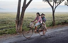 Chemins oubliés, en bateau, à pied ou à vélo