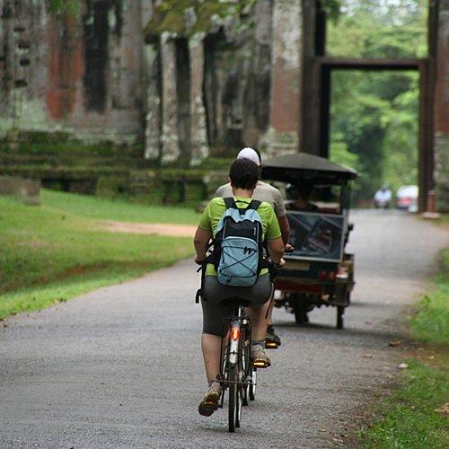 Des temples d'Angkor à Battambang en vélo, à pied et en bateau -