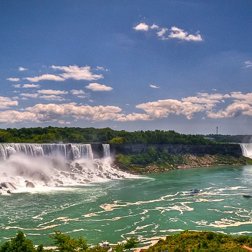 La Big Apple et Les Niagara Falls -