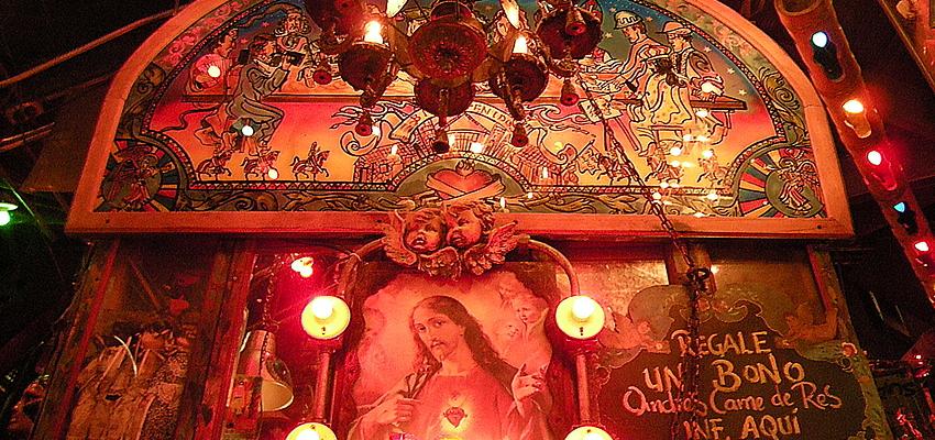 Partout des représentations de Jésus et de la Vierge