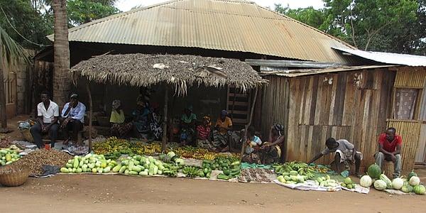 Mercado de pueblo en Pemba