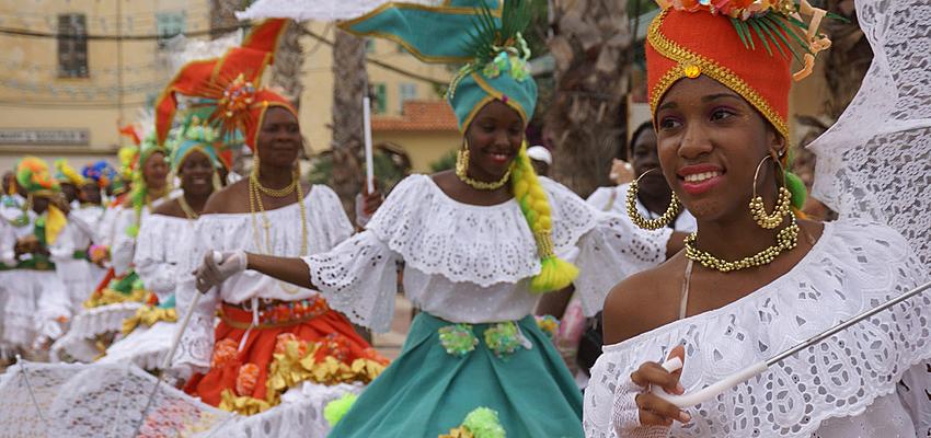 Antillaises en costume traditionnel