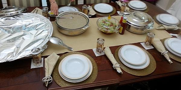 Un repas partagé avec les locaux