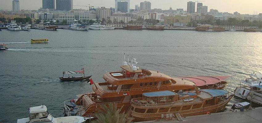 Vista de la bahía de Dubai