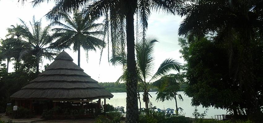 Au bord du lac de Koba...