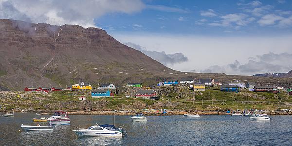 Qeqertarsuaq est une île de la baie de Disko.