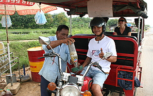 Guide et chauffeur de tuk tuk