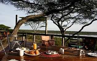 Rien de tel que un petit déjeuner Tanzanien pour bien commencer une journée de Safari!