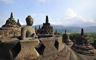 Les temples bouddhique de Borodubur, sur l'île de Java