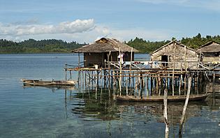 Sur Sulawesi, admirez les maisons à pilotis du peuple Bugis !
