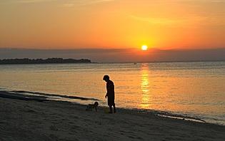 Les plages Indonésiennes, un terrain de jeu pour les enfants de tout âge !