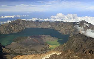 Le Volcan Rinjani, deuxième plus grand volcan d'Indonésie !