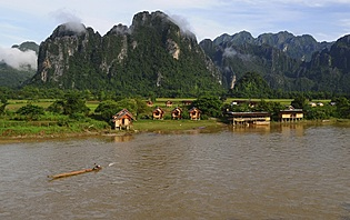 Vue sur Vang Vieng