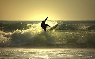 Que ce soit à Montanita ou à Olon, profitez des belles vagues Équatoriennes !