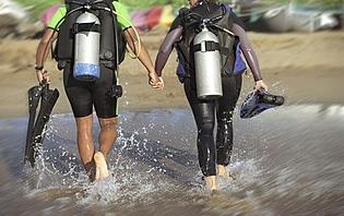 Pour une activité insolite en amoureux, tentez la plongée !