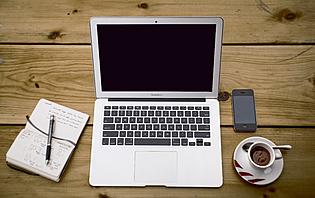 Si vous prenez  votre ordinateur portable, vous pourrez vous connecter au Wifi !