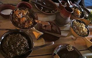 Régalez-vous dans un des nombreux petits restaurants de Tallinn !