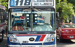 Soyez attentif quand vous prenez le bus Argentin : chaque chauffeur personnalise le sien !