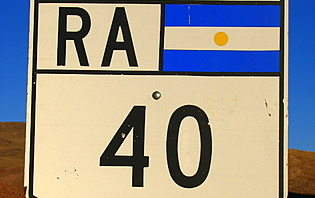 Au volant de votre voiture, sillonnez l'Argentine sur le route 40 !