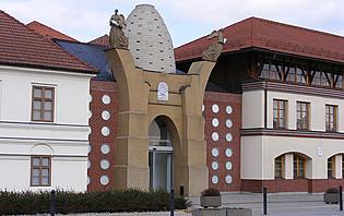 La ville Herend, en Hongrie, où l'on peut y trouver sa célèbre manufacture