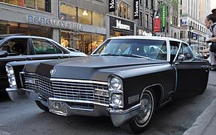 Cadillac avec chauffeur pour découvrir Montréal
