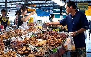 Sur un marché à Chiang Mai