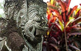 Dans un temple à Tabanan