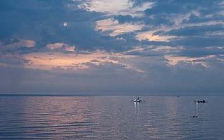 Pêcheurs de nuit à Lovina