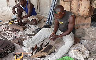 Les Makondes excellent dans la culture du bois