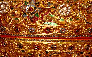 Laque pour offrandes au Bouddha