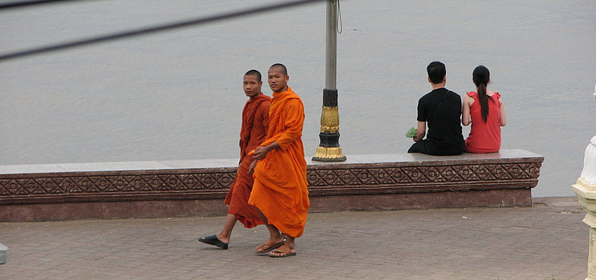 Moines au Cambodge