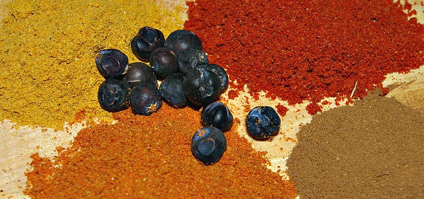 Les épices (cumin, safran, curry...), ingrédients essentiels