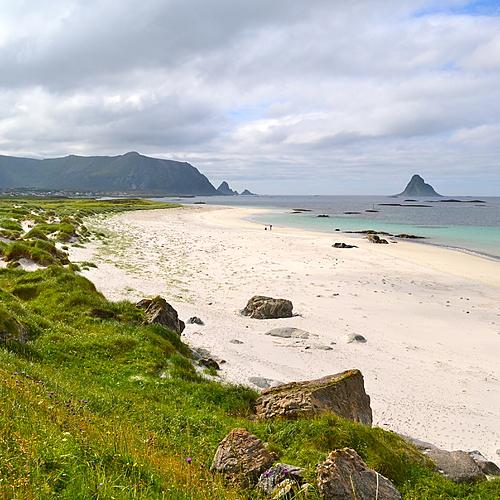 Les îles Lofoten et Vesteralen sous le soleil de minuit -