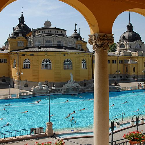 Détente aux bains thermaux de Budapest - Budapest -