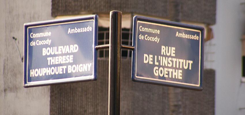 Le français est resté la langue officielle