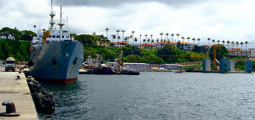 Arrivée au port de Malabo, Guinée Equatoriale