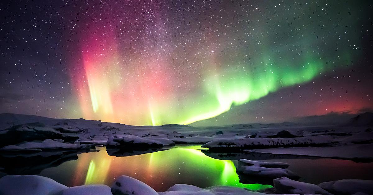 Voyage à la neige : Aurores boréales, bains chauds et nuit en ferme typique