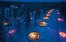 Expérience lapone au-delà du Cercle Polaire avec nuit en Igloo de verre