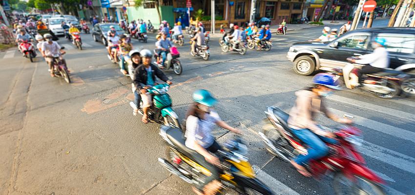 Trafic et motos au Vietnam