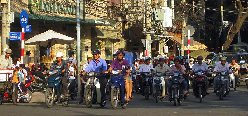 Circulation à Saigon (Ho Chi Minh Ville)