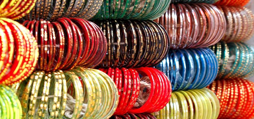 Les bangles, bracelets indiens typiques