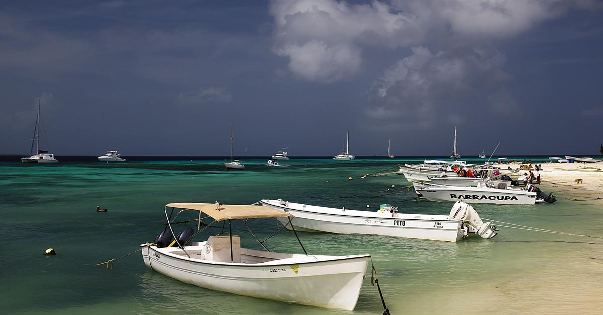 Voyage sur l'eau : Croisière en catamaran à Los Roques, un goût de paradis !