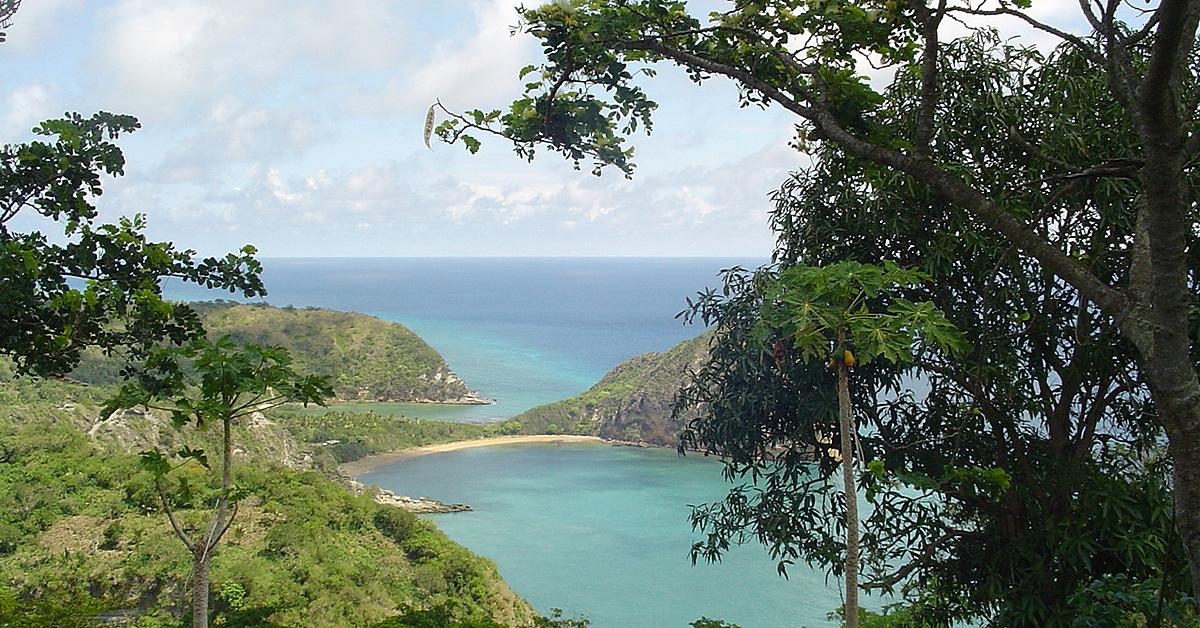 Voyage à pied : Tour de l\'île en liberté, entre brousse et lagon