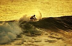 Multiactivités entre surf, plongée, VTT et rafting